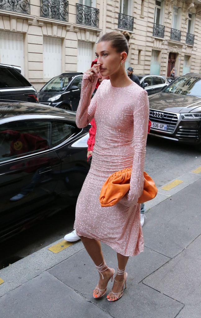 Hailey Baldwin, Femme, sandals