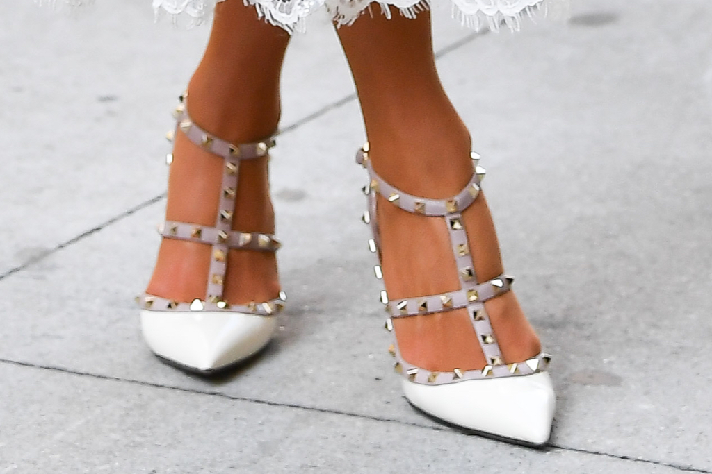 Paris Hilton, Valentino, pumps