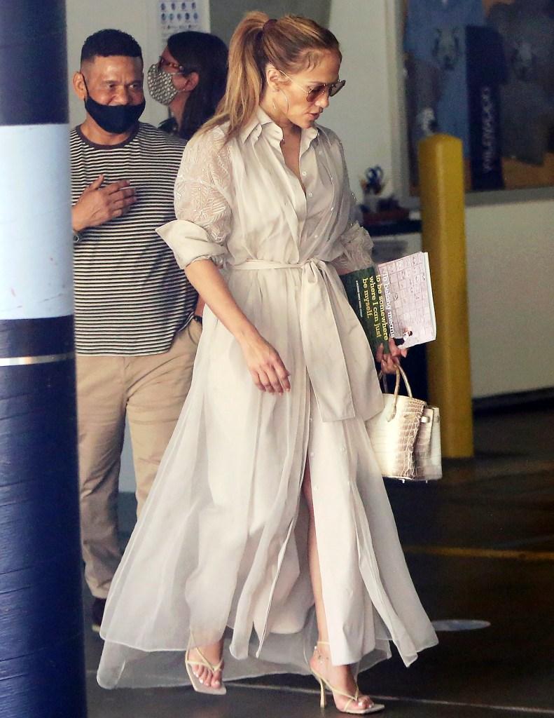 Jennifer Lopez, Bottega Veneta, sandals