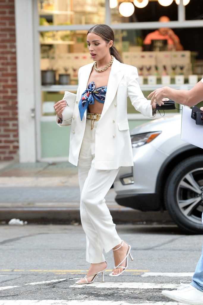 Olivia Culpo, Bottega Veneta, sandals