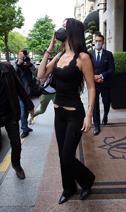 Bella Hadid on her way to the Jacques Muss fitting in Paris on june 28th 2021. 28 Jun 2021 Pictured: Bella Hadid. Photo credit: KCS Presse / MEGA TheMegaAgency.com +1 888 505 6342 (Mega Agency TagID: MEGA765884_006.jpg) [Photo via Mega Agency]