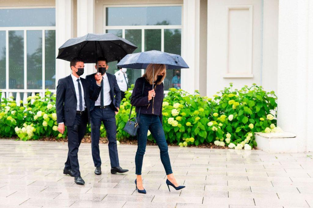 brigitte macron, skinny jeans, jeans, jacket, heels, vote, president, france, first lady, pumps, elections