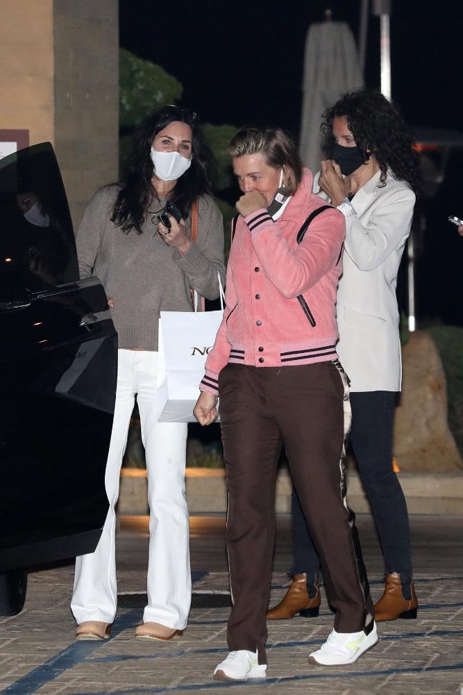 Courteney Cox, chunky clogs, white jeans, sweater, Nobu Malibu
