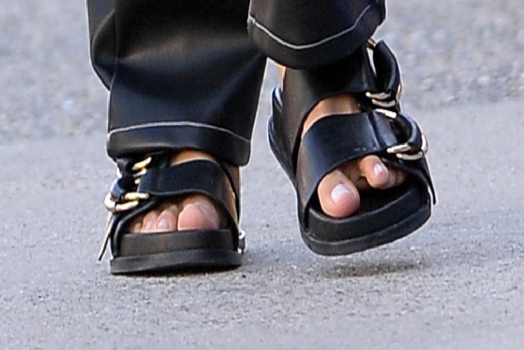 irina shayk, sandals, nyc