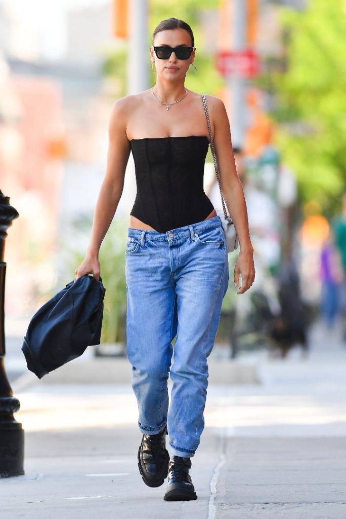 irina shayk, corset, jeans, low-rise jeans, leather jacket, sunglasses, purse, boots, combat boots, street style, ny