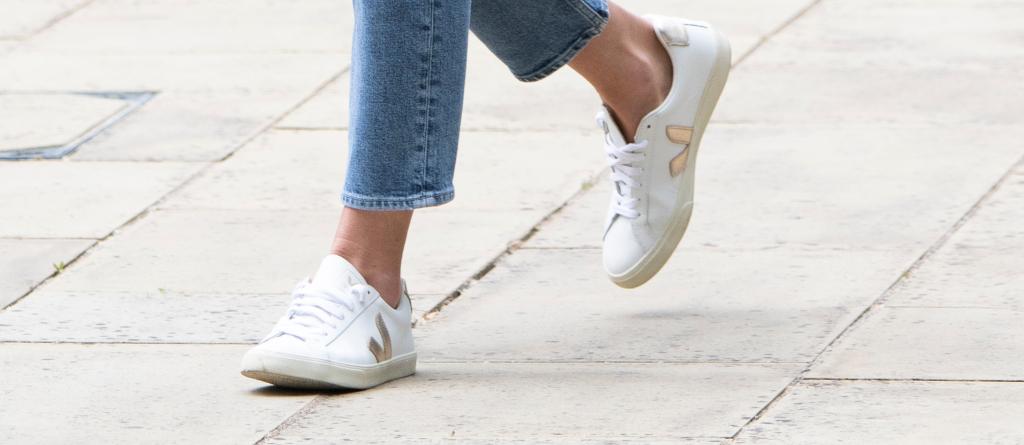kate middleton, veja sneakers, london