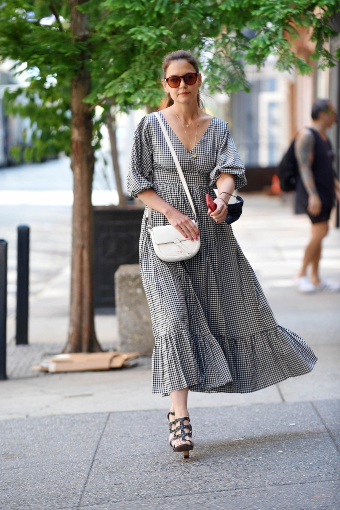 katie holmes, checked dress, sandals, nyc