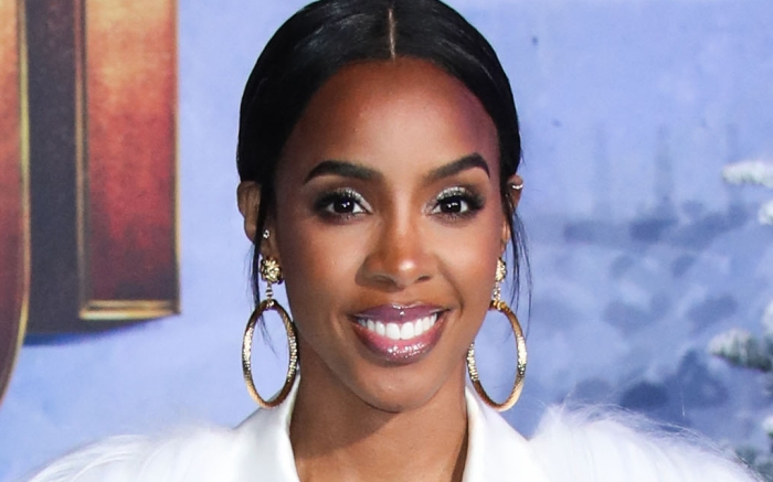 kelly-rowland-bathing-suit-anklet