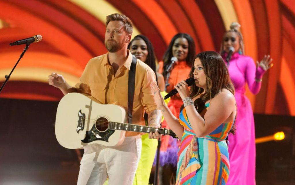 lady a, lady antebellum, dave haywood, hillary scott, charles kelley, cmt music awards, cmt, dress, shoes, heels, red carpet