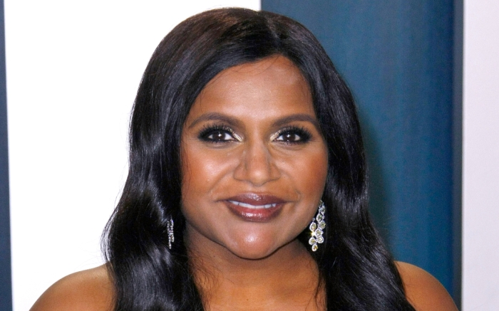 mindy-kaling-purple-gown-1