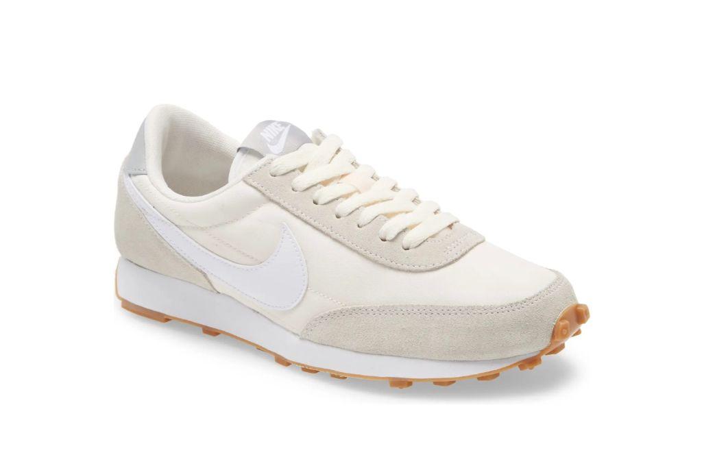 nike, daybreak sneaker, low top sneakers