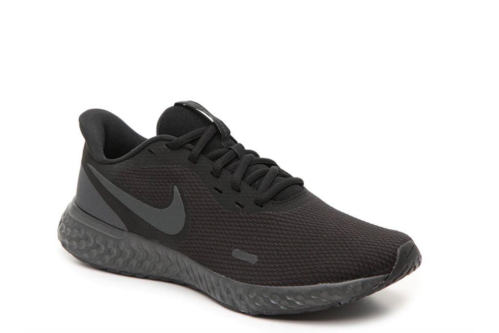 nike, revolution 5 running shoe, black sneakers