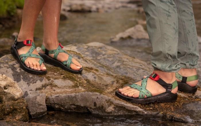 Thomas Rhett, Chacos, collaboration, sandals