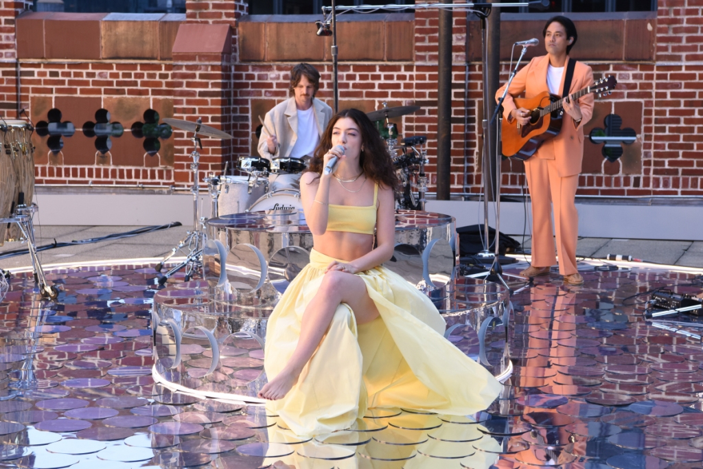 The Late Show with Stephen Colbert and musical guest Lorde during Thursday's July 15, 2021 show. Photo: Scott Kowalchyk/CBS ©2021 CBS Broadcasting Inc. All Rights Reserved.