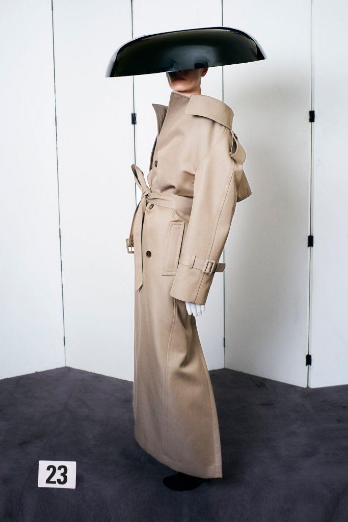 Balenciaga Couture Fall 2021 Collection, Photos – Carreras-unibe News