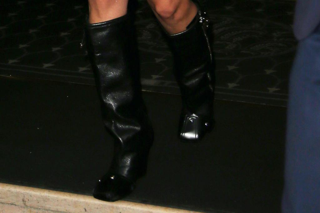 Bella Hadid, boots
