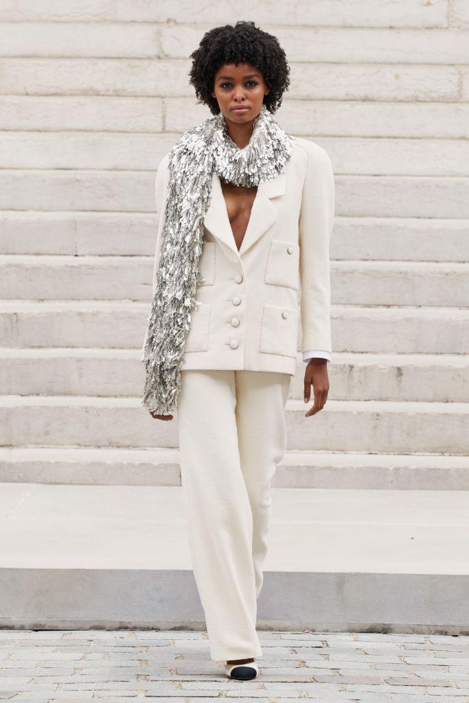 chanel, chanel couture, chanel haute couture, haute couture, paris fashion week, paris couture, fashion, shoes, chanel shoes, chanel bag, runway, runway fashion