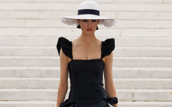 Chanel-Haute-Couture-Fall-2021-202234_Look_034