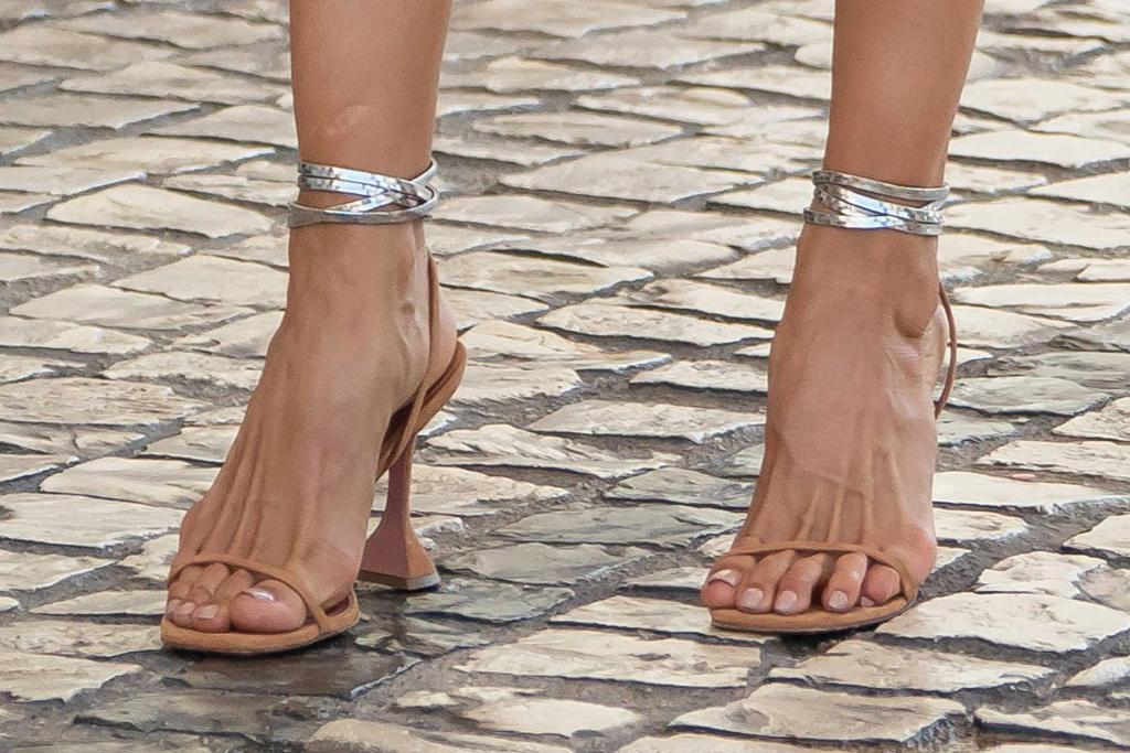 Izabel Goulart, Amina Muaddi, sandals