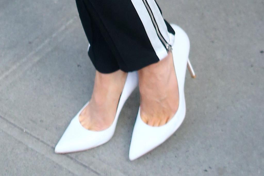 Kate Beckinsale, pumps