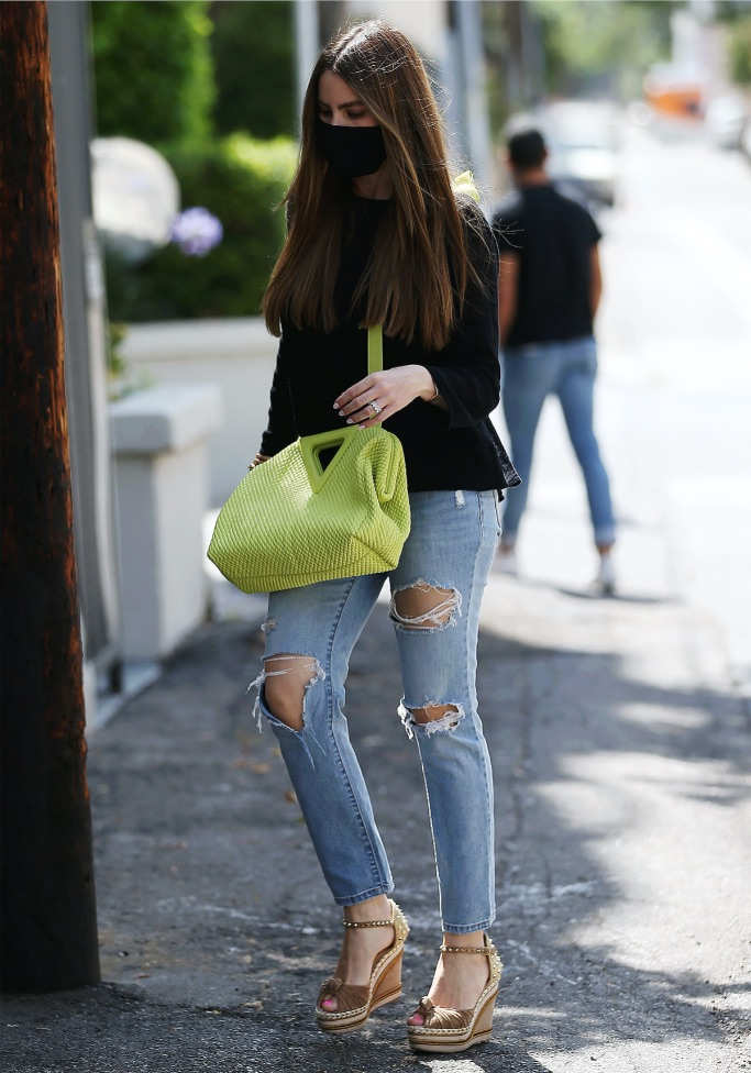 Sofia Vergara, wedge, stud, jeans, sweaterr