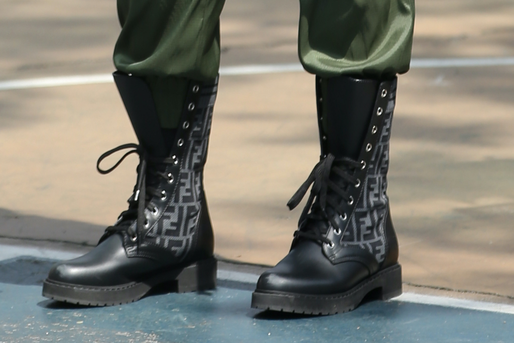 Mary J. Blige, Fendi, boots