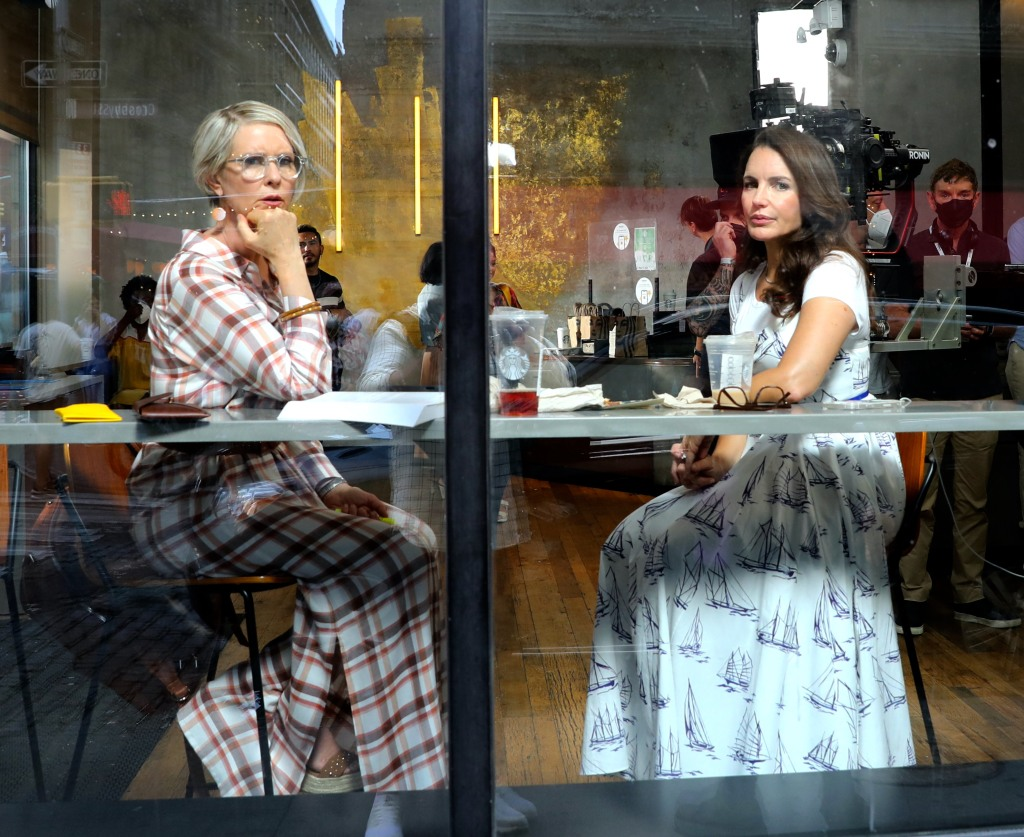 """Sarah Jessica Parker, Kristin Davis and Cynthia Nixon pictured filming at the """"And Just Like That"""" set in Soho, Manhattan.Pictured: Cynthia Nixon,Kristin Davis Ref: SPL5240341 200721 NON-EXCLUSIVE Picture by: Jose Perez / SplashNews.com Splash News and Pictures USA: +1 310-525-5808 London: +44 (0)20 8126 1009 Berlin: +49 175 3764 166 photodesk@splashnews.com World Rights"""