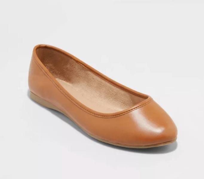 Women's Everly Round Toe Ballet Flats
