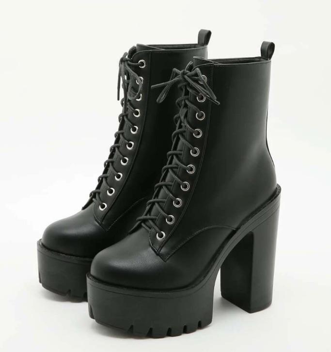 Minimalist Lace-up Front Platform Chunky Heeled Boots
