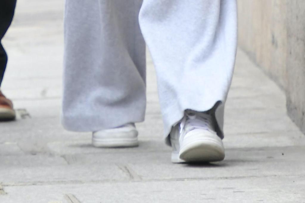 Sophie Turner, sneakers