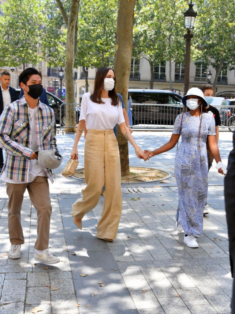 angelina jolie, t-shirt, pants, shirt, heels, purse, paris, kids, shopping