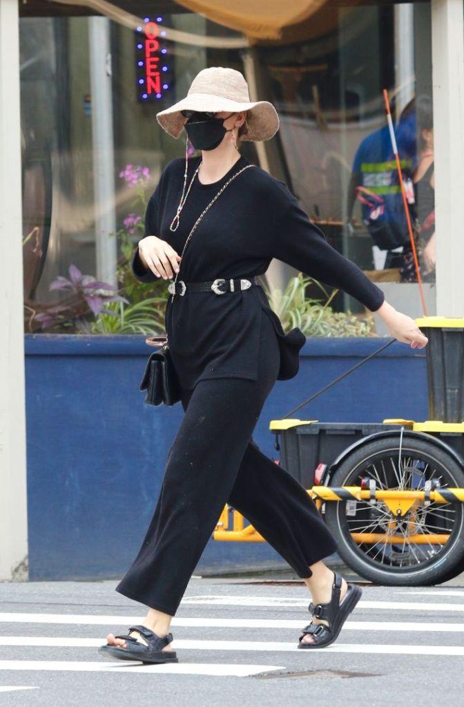 blake lively, sweater, belt, pants, sweatpants, sandals, ugly sandals, hat, face mask, purse, chanel, new york
