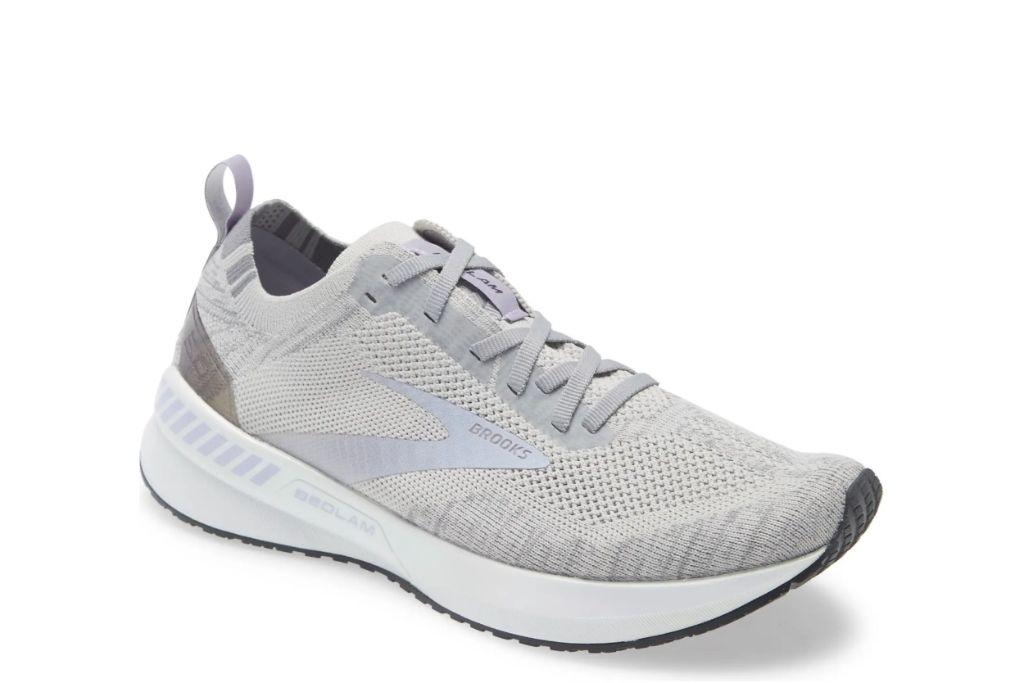 brooks, bedlam 3 running shoe, gray shoes