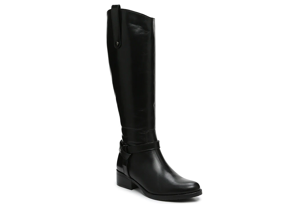 black boots, riding boots, coach and four