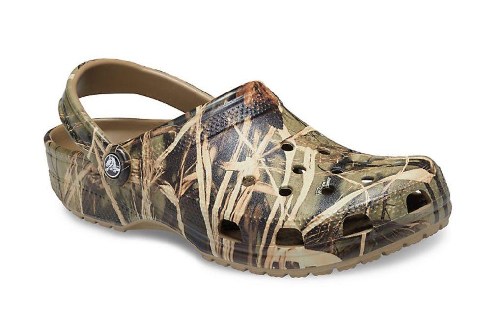 crocs, camo clogs, slip on shoes