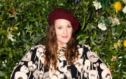 drew barrymore, floral shirt, checked skirt,