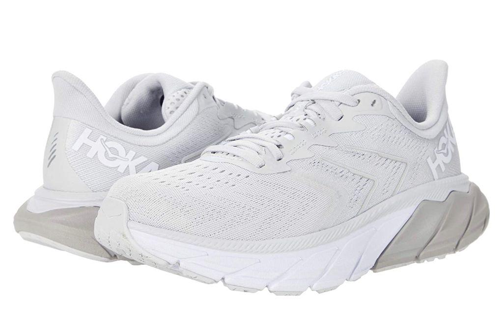 hoka one one arahi, gray sneakers