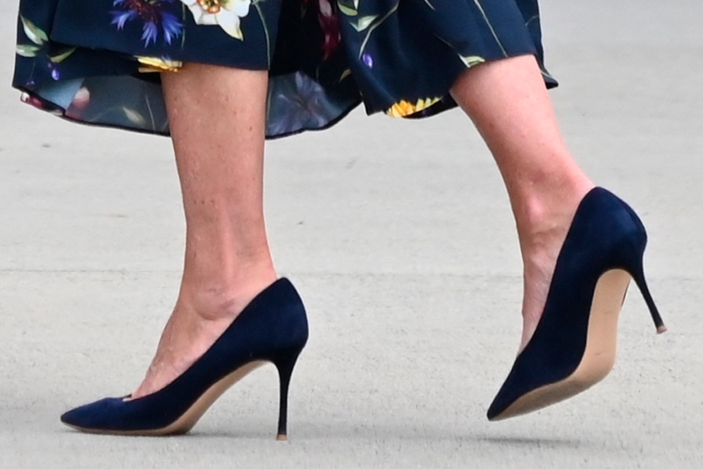 jill biden, floral dress, dress, heels, pumps, navy, georgia, savannah, vaccination, raphael warnock