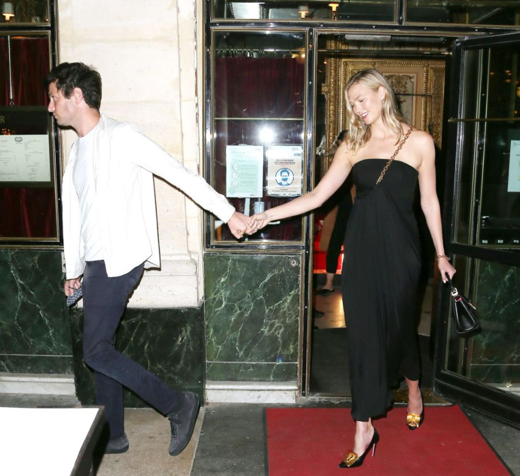 karlie kloss, dress, little black dress, heels, pumps, joshua kushner, date, paris, france, paris fashion week