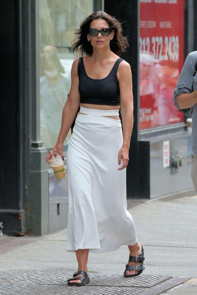katie holmes, skirt, cutout skirt, crop top, sandals, ugly sandals, new york, walk, sunglasses