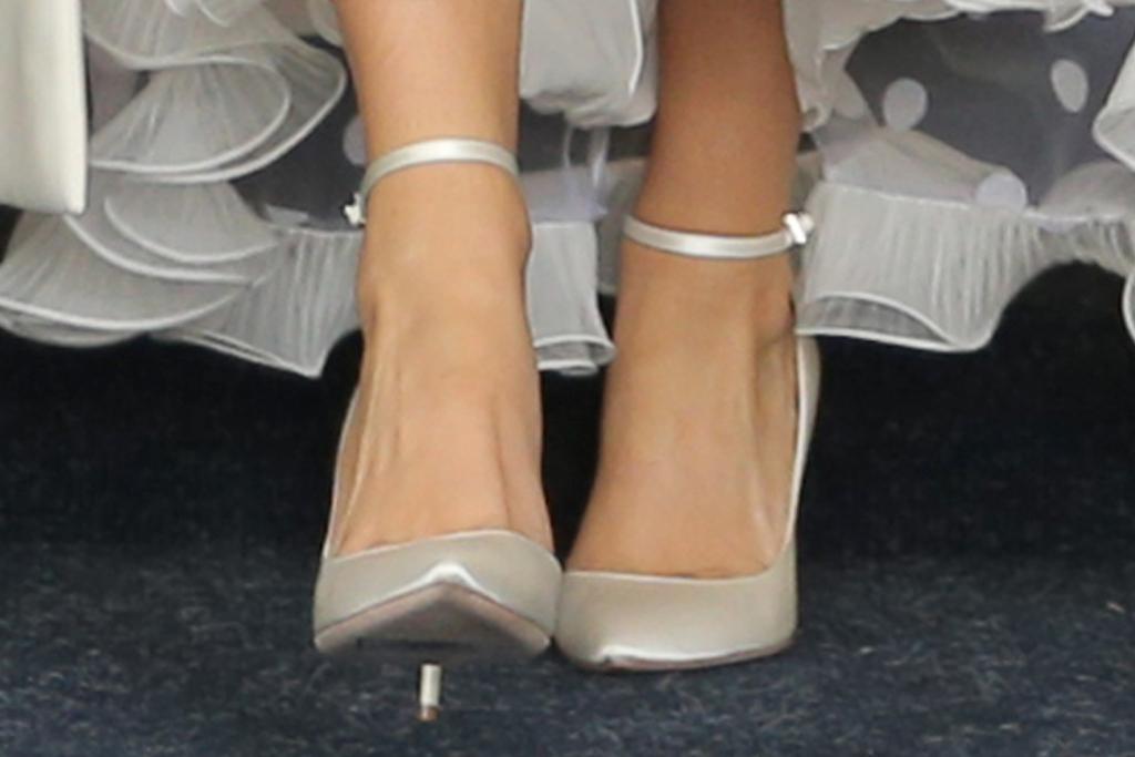 lady gaga, dress, gown, white dress, coat, heels, satin, new york, sunglasses, earrings, hotel, tony bennett