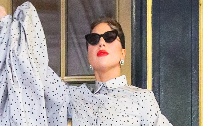 lady-gaga-puff-sleeve-blouse-feature