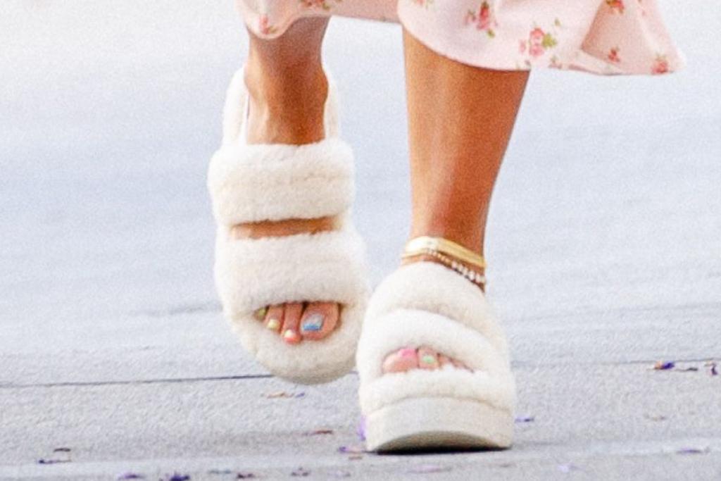 rita ora, dress, sandals, anklet, ugg, oh fluffita, floral, purse, pink, la