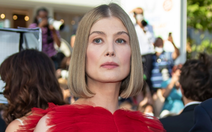 rosamund-pike-red-gown-cannes-feature