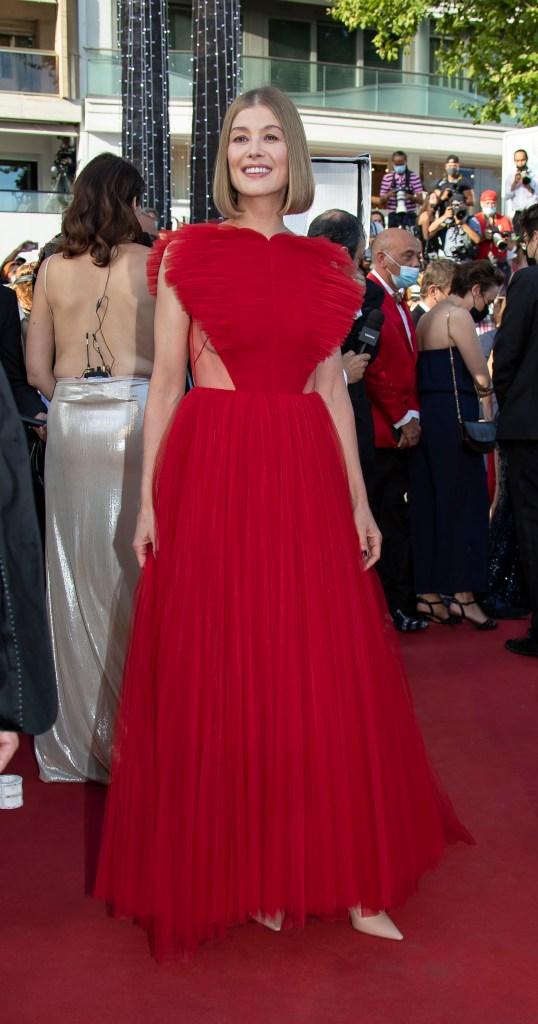 rosamund pike, red dress, heels, cannes