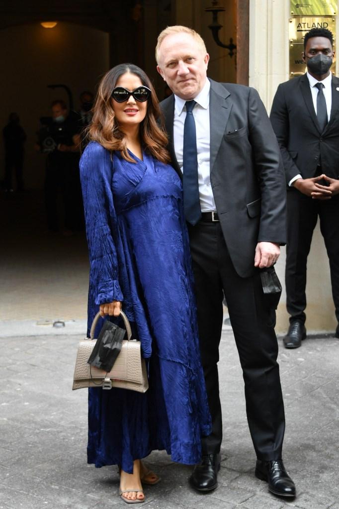 salma hayek, blue dress, square heels, paris fashion week