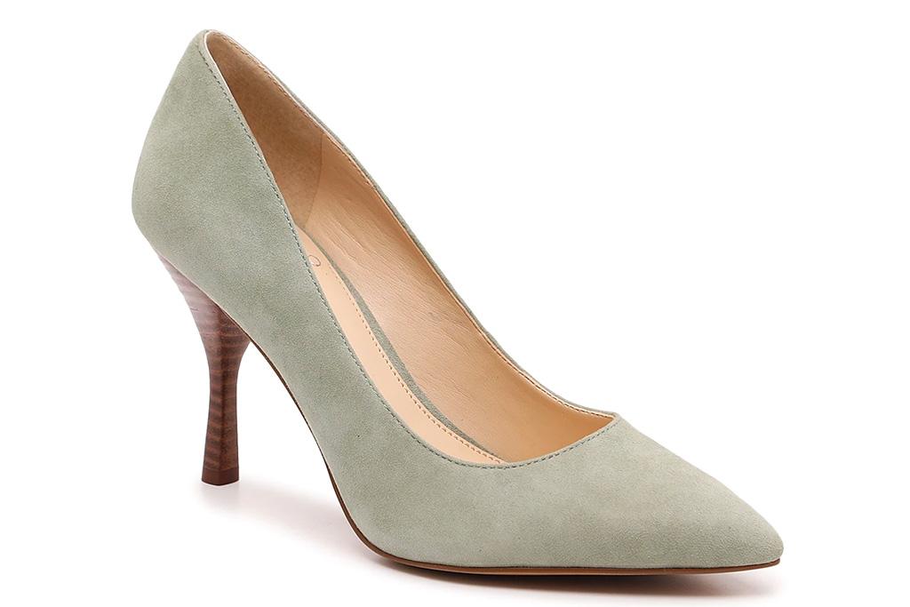 gray heels, silver pumps, vince camutoo