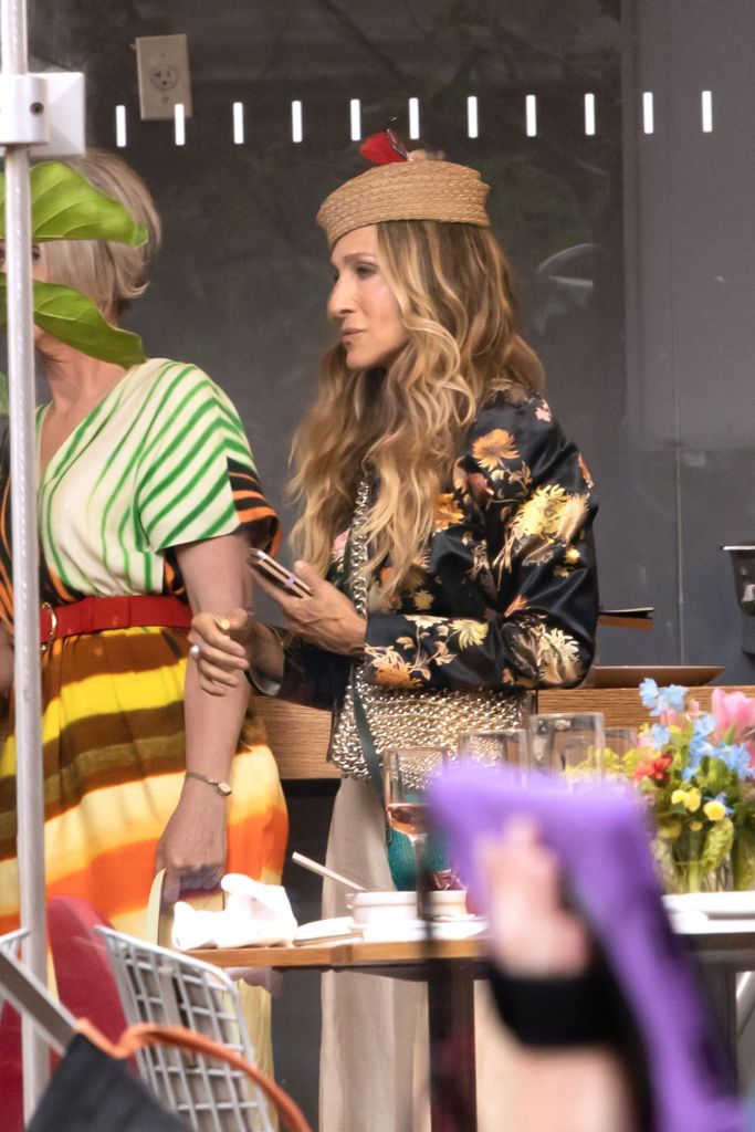 Online Shop Trend Now And-Just-Like-That-Fashion-Sarah-Jessica-Parker-Carrie-Bradshaw-Sex-and-the-City-RebootMEGA770659_009 All the Fashion From 'And Just Like That' – Footwear News