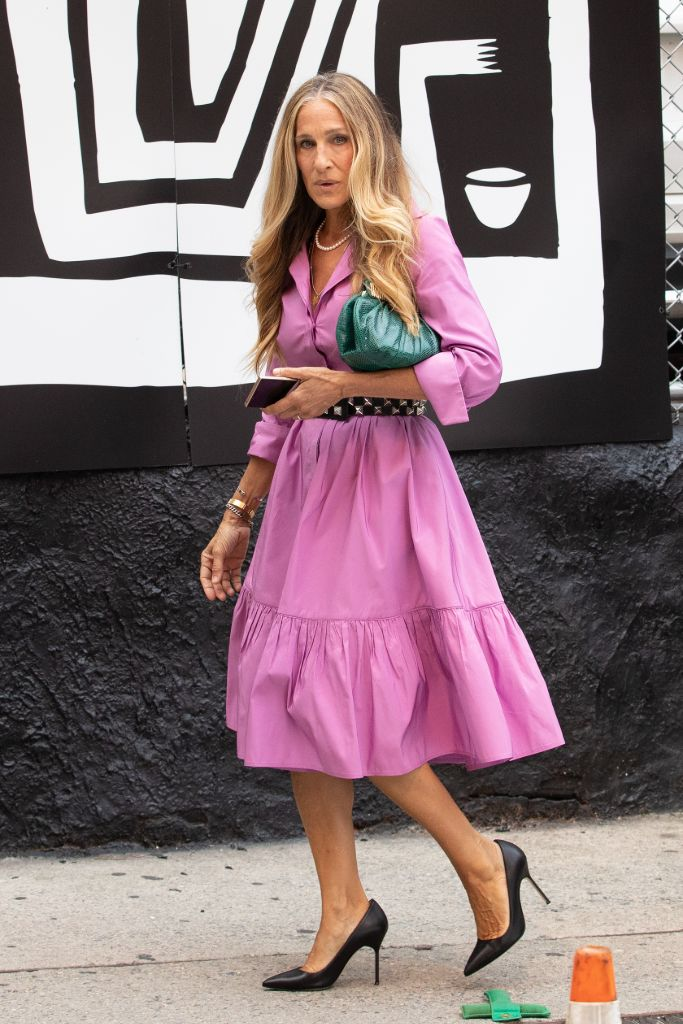 and just like that carrie bradshaw manolo bb pumps
