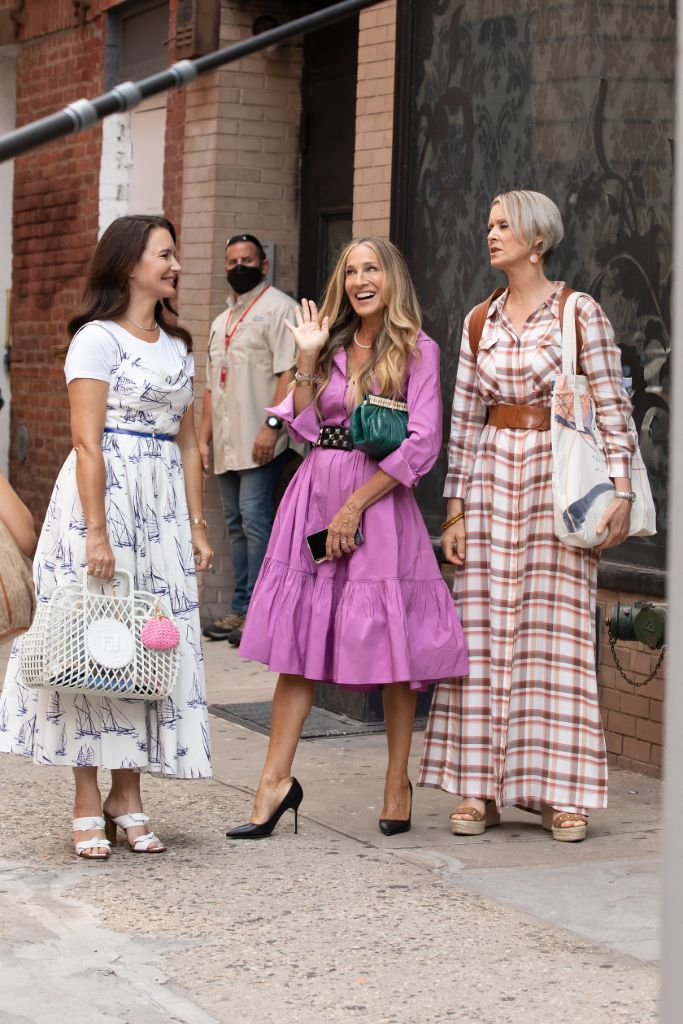 Online Shop Trend Now And-Just-Like-That-Fashion-Sarah-Jessica-Parker-Carrie-Bradshaw-Sex-and-the-City-RebootMEGA772788_006 All the Fashion From 'And Just Like That' – Footwear News